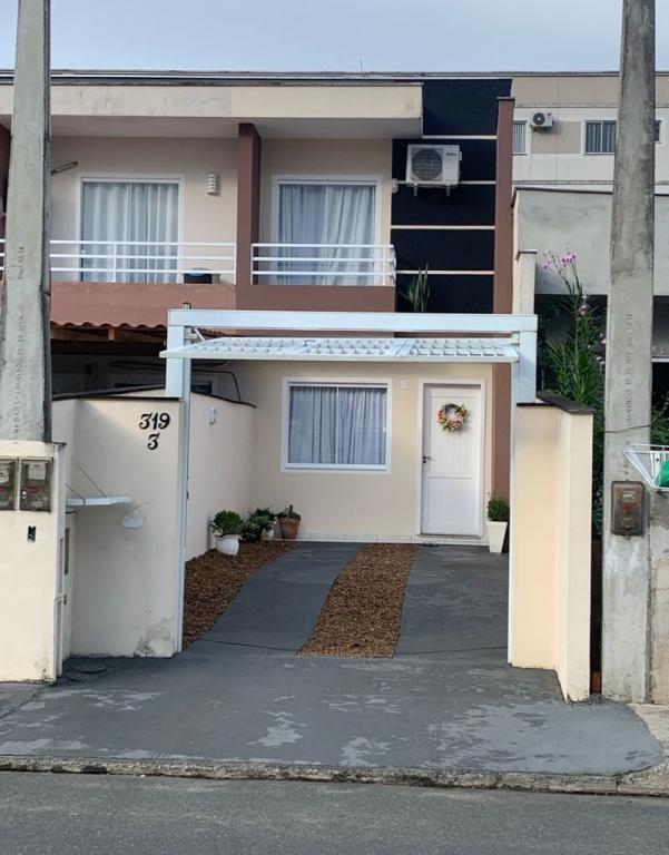 Sobrado Geminado à venda,  Vila Nova,  Joinville
